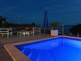 Villa Nolita with pool & spectacular panoramic sea views