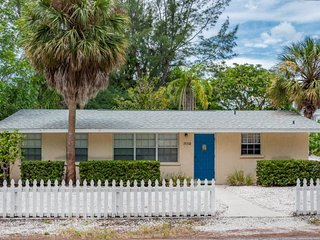 Casa De Playa- 712 North Shore Dr, Anna Maria