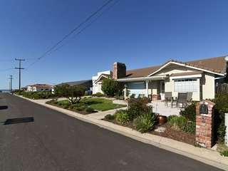 Perfect Beach Home! Ocean Views, Great Outdoor Spaces, Short Walk to Beach!