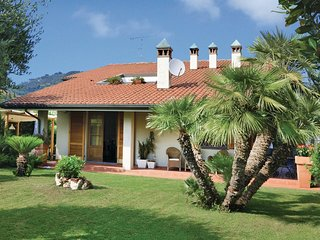 3 bedroom Villa in Piano di Conca, Tuscany, Italy : ref 5540535