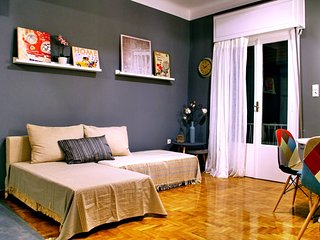 Modern apartment within walking distance of Acropolis