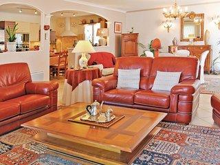 3 bedroom Villa in Montélimar, Auvergne-Rhône-Alpes, France : ref 5539396