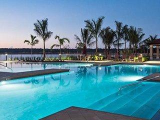 Casa Napoletana 4 bedrooms, 3bath,  private pool, spa & lake view, 8 people max