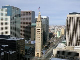 DENVER DOWNTOWN 27TH FLOOR GREAT VIEW AND LOCATION
