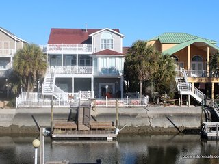 Has it all-WOW!!! Canal Waterfront-6BR-Private Dock,Golf Cart,Kayak,Pool-37Moore
