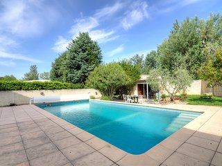 2 bedroom Villa in Noves, Provence-Alpes-Côte d'Azur, France : ref 5559320