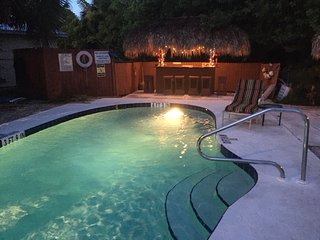 Siesta Key Beach Place-Starfish Cottage, Dec.Discount $800 per week until 12/15