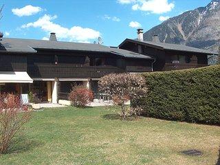 2 bedroom Apartment in Les Praz-de-Chamonix, Auvergne-Rhone-Alpes, France : ref