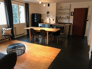 spacieux appartement à côté du lac