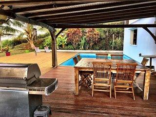 magnifique villa T7 avec piscine à Sainte-Anne en Martinique.