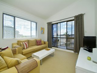 Bahia, Unit 6/47 Ronald Avenue