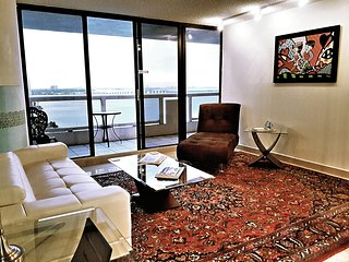 The Grand Downtown Miami - 2 Bed / 2 Bath - Water View
