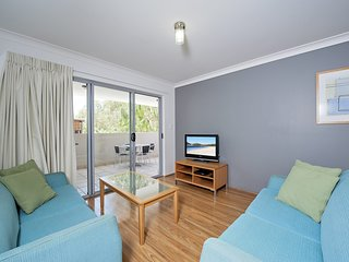 Shoal Bay Beach Apartments, Unit 10/2 Shoal Bay Road