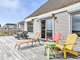 This cozy beachfront home is perfect for a group of 10.