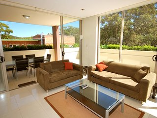 Aura Apartments, Unit 5/59  Shoal Bay Road