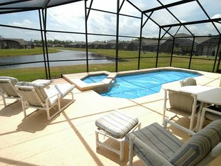 1205CLC. Cumbrian Lakes 4 Bedroom Pool Home with Pool and Lake View
