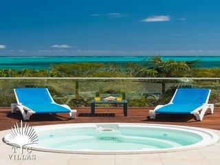Dawn Beach Villa Private 4-5BR. Snorkel on Grace Bay Beach & Walk to Marina
