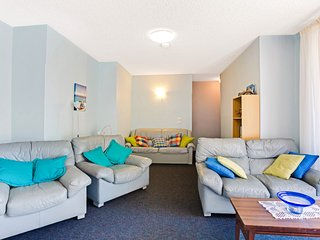 Blue Waters, Unit 4/59 Ronald Avenue