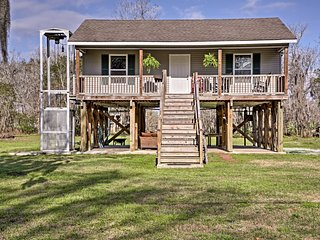 New! 1BR 'Cajun Cottage' on Bayou Dularge w/ Dock!