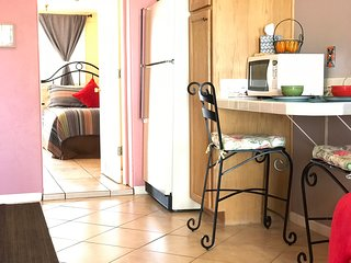 Quaint & Comfy Casita in Midtown Tucson