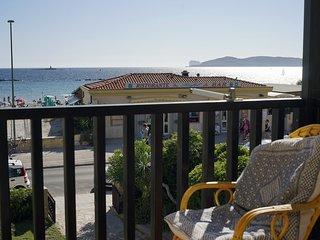 Beachfront three room apartment with balcony 'Vongola'