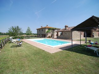 Villa in the Countryside between Tuscany and Umbria