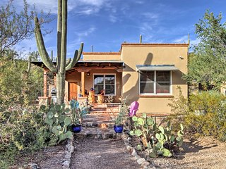 'La Roca' Tucson Home w/ Patio & Scenic Mtn Views!