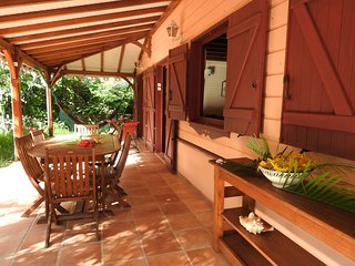 Jolie villa créole en bord de mer à Petite Anse