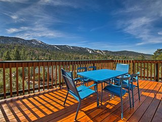 Big Bear Lake Cabin w/ Hot Tub & Views!