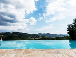 Casa Uliveto in Molino Vitelli, with pool, private tennis court near Tuscany