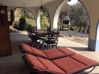 Spacious villa with balcony & Wifi