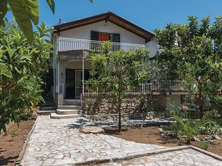 4 bedroom Villa in Jadrija, Sibensko-Kninska Zupanija, Croatia : ref 5536081