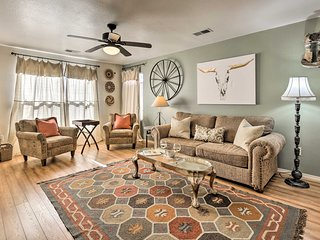 NEW! 3BR Albuquerque 'Casa Mimosa' Home w/Fire Pit