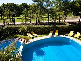 6 Bedroom 6 Bathroom Villa with pool near to Vilamoura Marina