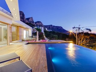 Luxury 3 Bed Villa, Camps Bay - Bay Element