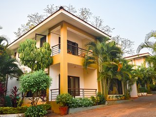 Holiday Home in Candolim (Goa) with shared Pool & home-cook