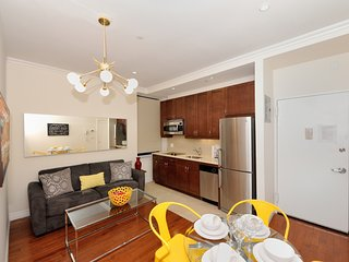 Family-friendly 2BR/1BA with prime location between Times Square - Empire State