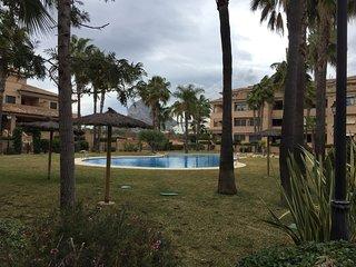 Planta Baja con jardín privado y piscina Via Augusta