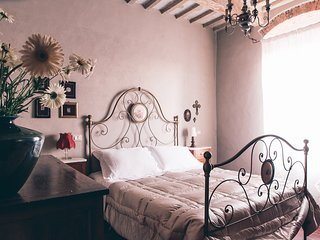 Brunello - Holiday Apartment - 100% Tuscan Experience