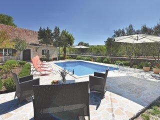 3 bedroom Villa in Suknovci, Sibensko-Kninska Zupanija, Croatia : ref 5562652