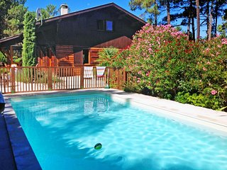 4 bedroom Villa in Le Moutchic, Nouvelle-Aquitaine, France : ref 5581626