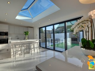 Luxurious, special occasion, detached three bedroom home (SHR - 29 Panorama)