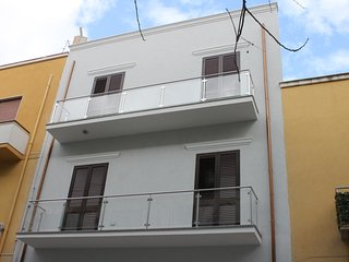 Nice house with sea view & balcony