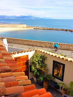 Antibes with sea views - on the ramparts - Sleeps 6
