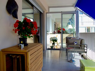 Antibes Apartment-Minutes to Royal Beach, Modern 1 bedroom
