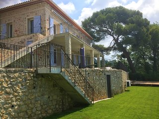Mougins Luxury Villa newly renovated sleeps 8-10