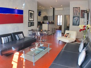 Cannes Holiday Apartment - Close to Everything!