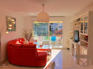 Antibes-Juan les Pins-Beautiful 2 Bedrm sleeps 4