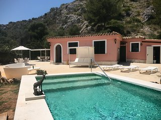 Villa near beach of Puerto Pollensa