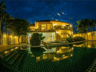 7 Bedroom Private Pool Villa Hua Hin